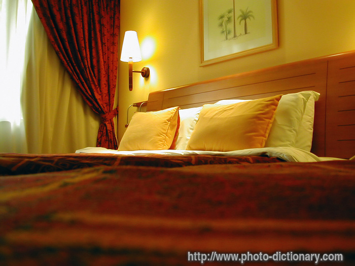 hotel room - photo/picture definition at Photo Dictionary - hotel ...