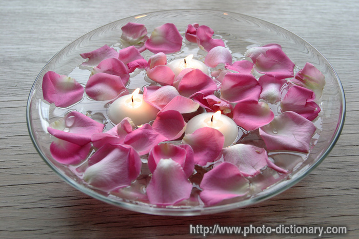 floating candles - photo/picture definition at Photo Dictionary ...