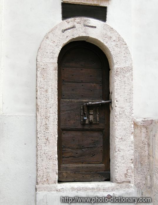 Roman door - photo/picture definition - Roman door word and phrase image & Roman door - photo/picture definition at Photo Dictionary - Roman ... Pezcame.Com