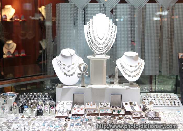 Jewelry warehouse dallas tx for Jewelry stores in dfw area