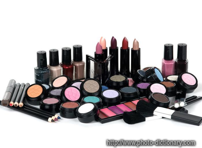 makeup set - photo/picture definition at Photo Dictionary - makeup set