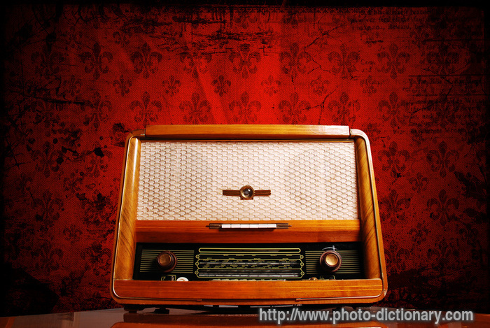 vintage radio - photo/picture definition at Photo ...
