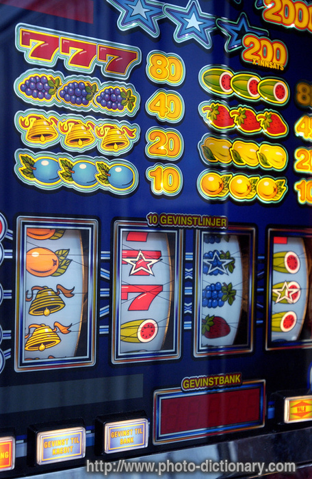 Slot Meaning In English